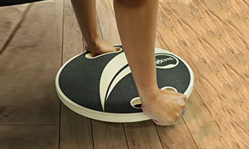 Balance board wobble board for core strength